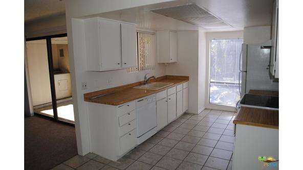 5245 E. Waverly Dr., Palm Springs, CA 92264 Photo 2