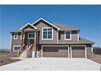 Home for sale: 814 N. Oak Terrace, Tonganoxie, KS 66086