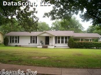 111 N. Reine St., Mena, AR 71953 Photo 1