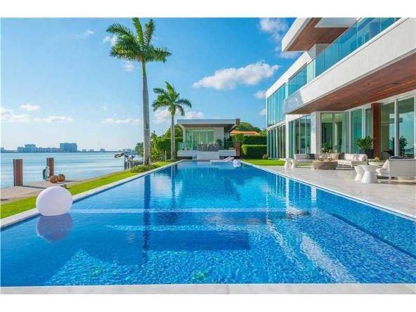 5446 N. Bay Rd., Miami Beach, FL 33140 Photo 4