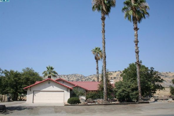 2288 East Roby Avenue, Porterville, CA 93257 Photo 2