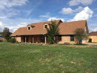 Home for sale: 423 Crestview, Teague, TX 75860