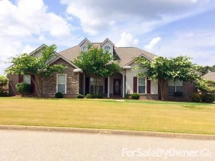555 Maribeth Loop, Deatsville, AL 36022 Photo 1