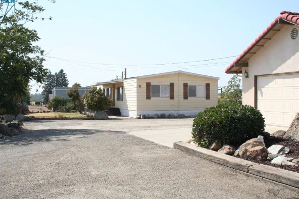 2288 East Roby Avenue, Porterville, CA 93257 Photo 16