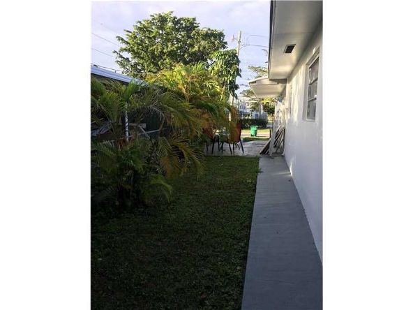 2612 Northeast 206th St., Miami, FL 33180 Photo 1