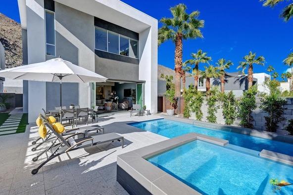 1171 Iris Ln., Palm Springs, CA 92264 Photo 5