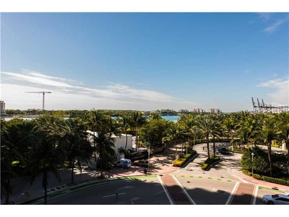 801 S. Pointe Dr. # 401, Miami Beach, FL 33139 Photo 13