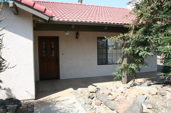 2288 East Roby Avenue, Porterville, CA 93257 Photo 28