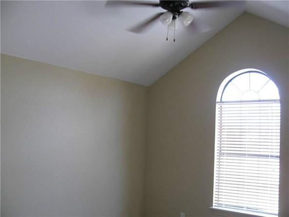 4076 Glenstone Terrace B, Springdale, AR 72764 Photo 9