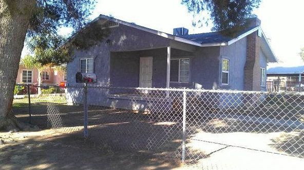 2440 Lake St., Bakersfield, CA 93305 Photo 2