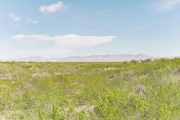 1049 Josephine Saddle Pl., Green Valley, AZ 85614 Photo 8