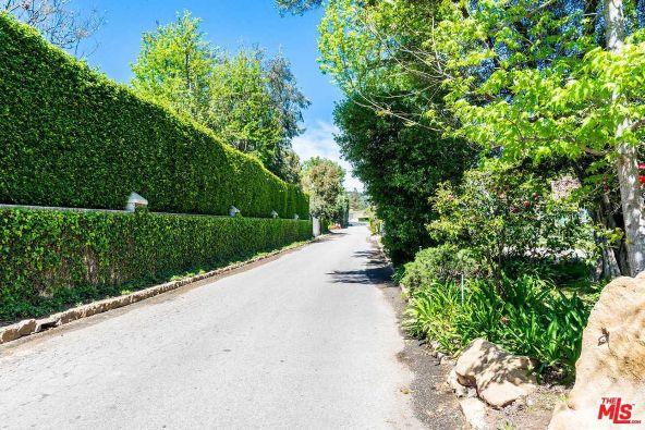 39 Oakmont Dr., Los Angeles, CA 90049 Photo 18