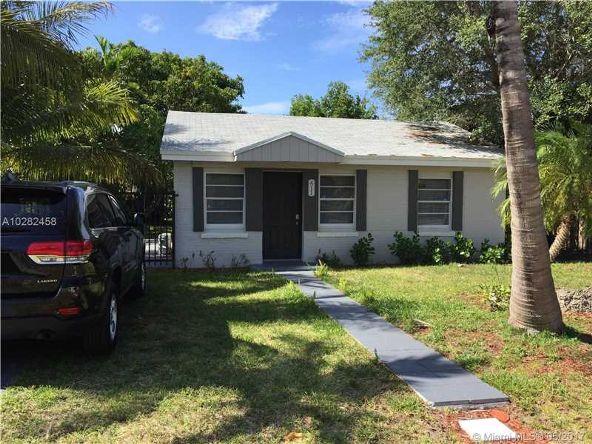 411 Northwest 97th St., Miami, FL 33150 Photo 1