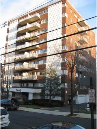 2180 Ctr. Ave., Fort Lee, NJ 07024 Photo 1