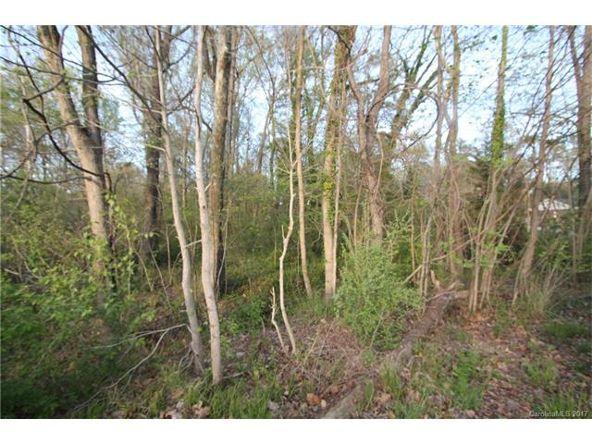 1708 Ravenswood Rd., Charlotte, NC 28216 Photo 4