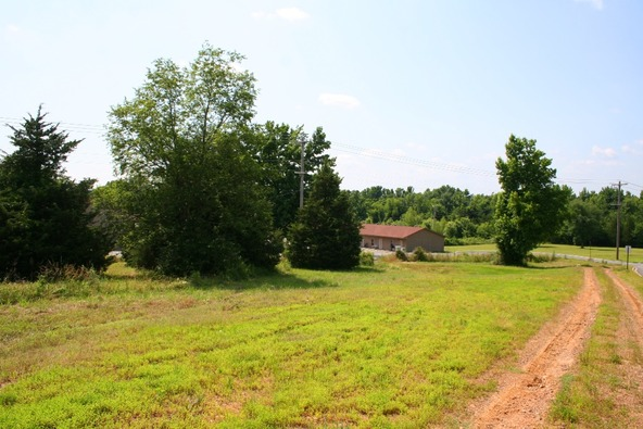 1310 Mcnutt, Conway, AR 72034 Photo 8