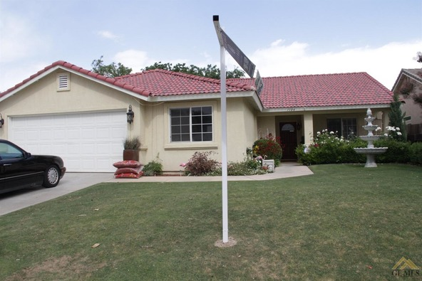 1104 Woodmont Dr., Bakersfield, CA 93312 Photo 2