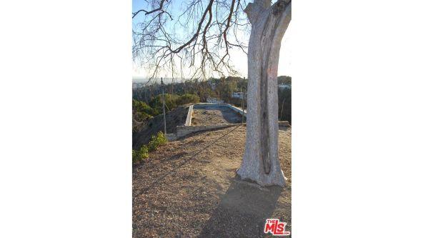 3210 Deronda Dr., Los Angeles, CA 90068 Photo 4