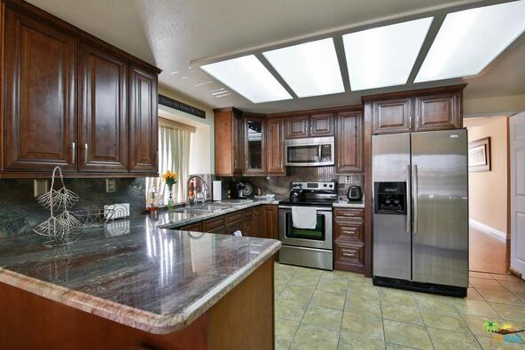 43957 Calle las Brisas, Palm Desert, CA 92211 Photo 13
