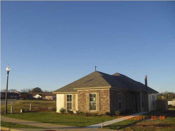 14 Laurel Place, Millbrook, AL 36054 Photo 1