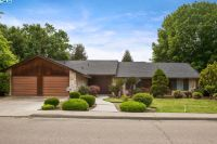 Home for sale: 947 N. Lincoln Avenue, Dinuba, CA 93618
