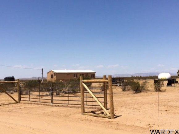 2537 E. Red Barrel Dr., Yucca, AZ 86438 Photo 1