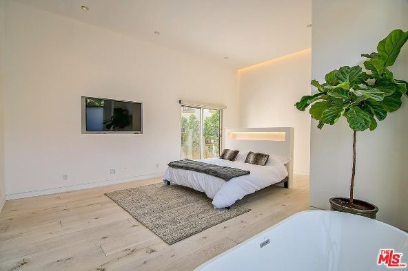 8260 Marmont Ln., West Hollywood, CA 90069 Photo 14