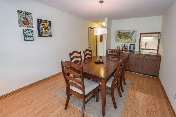 825 E. Henry Clay St. 301, Whitefish Bay, WI 53217 Photo 20