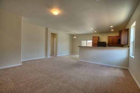 8212 West Kittiwake Lane, Tucson, AZ 85757 Photo 2