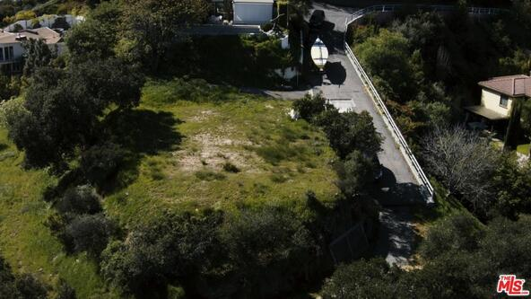 3076 Beckman Rd., Los Angeles, CA 90068 Photo 2