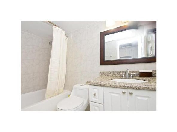 19201 Collins Ave. # 111, Sunny Isles Beach, FL 33160 Photo 3