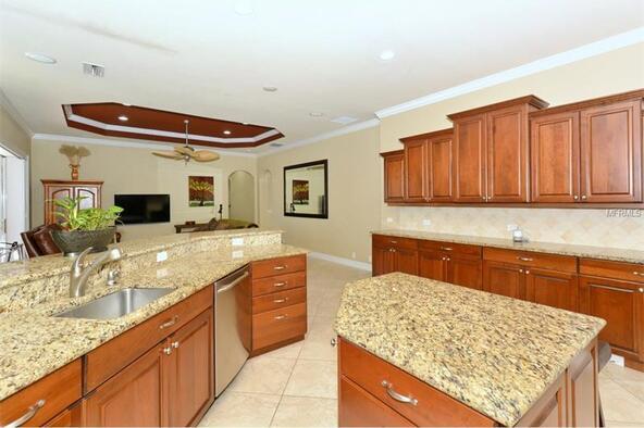 7041 Beechmont Terrace, Lakewood Ranch, FL 34202 Photo 13