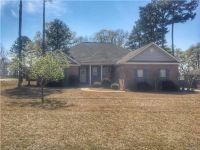 Home for sale: 707 Pinetuckett Parkway, Deatsville, AL 36022